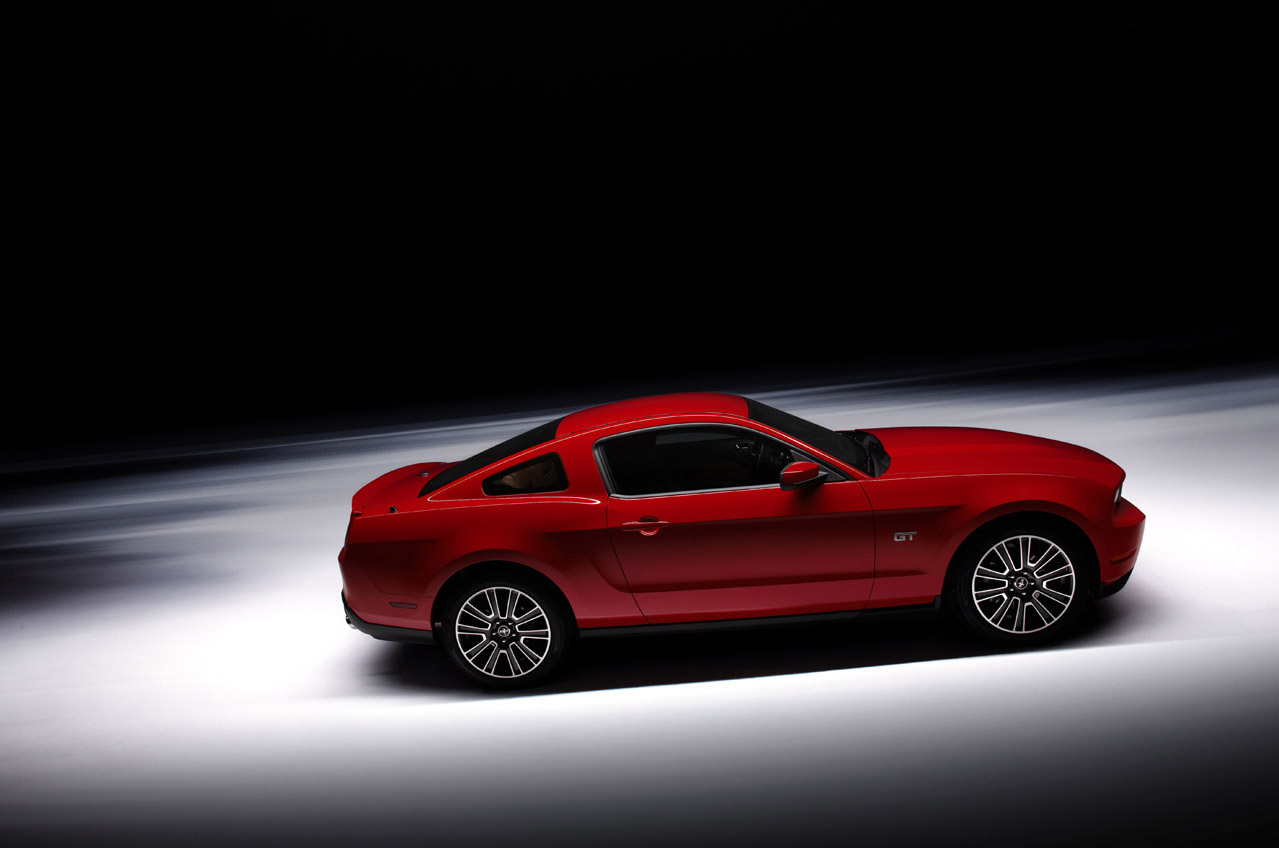 2010 Ford Mustang Wallpaper 3