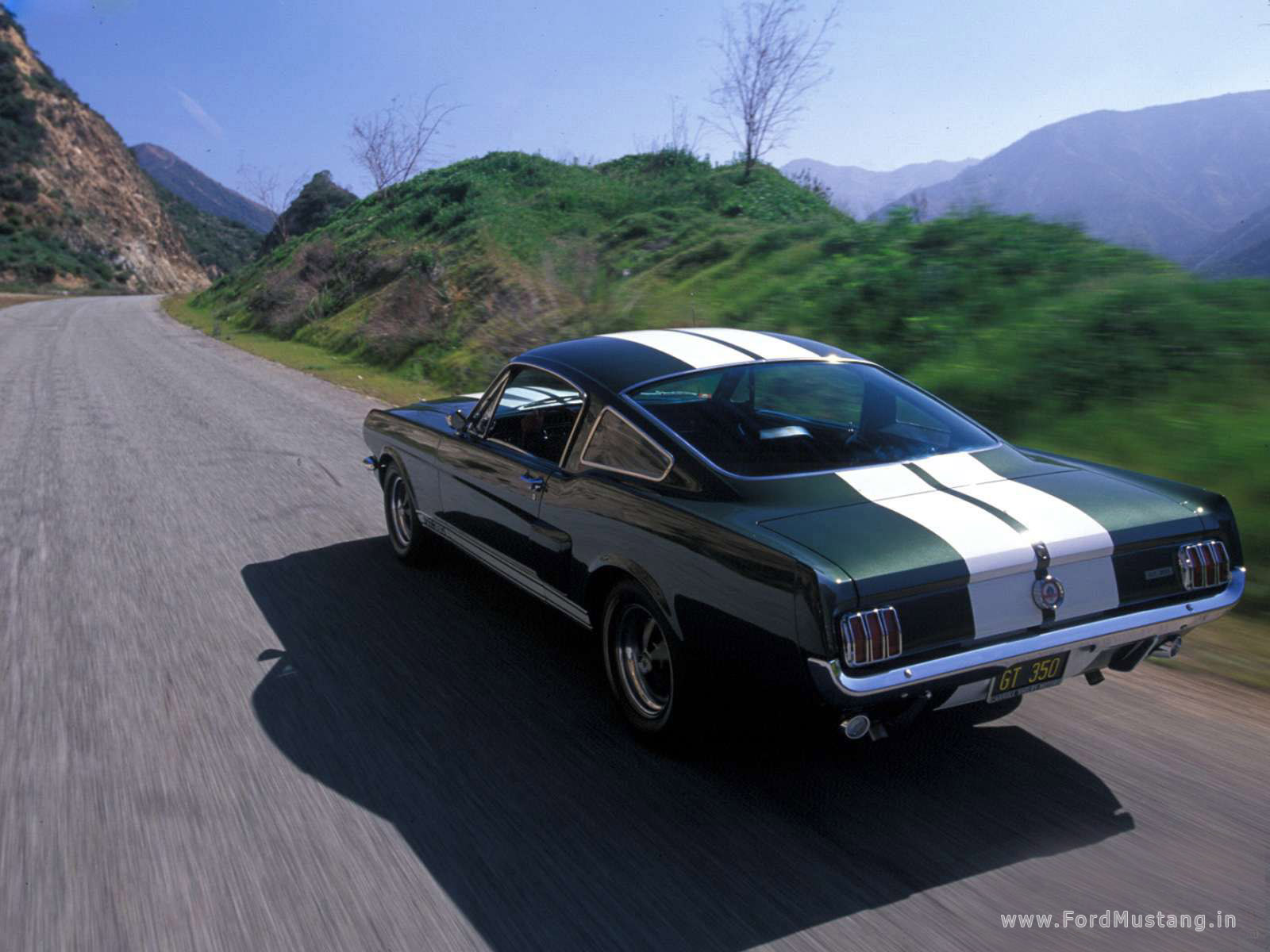 1965 Ford Mustang Coupe (2